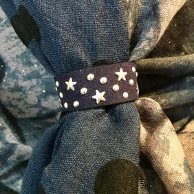 Bracelet ou noeud de foulard